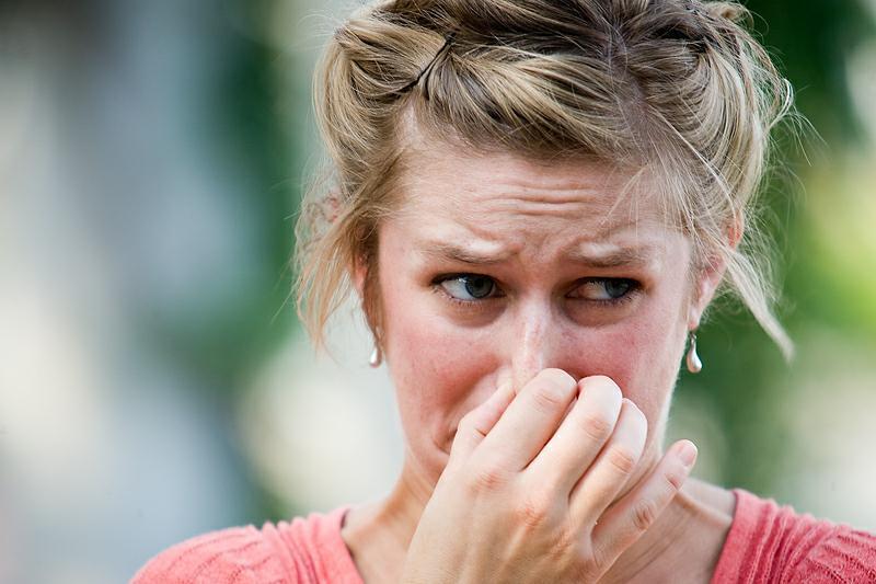 чем можно убрать запах чеснока изо рта